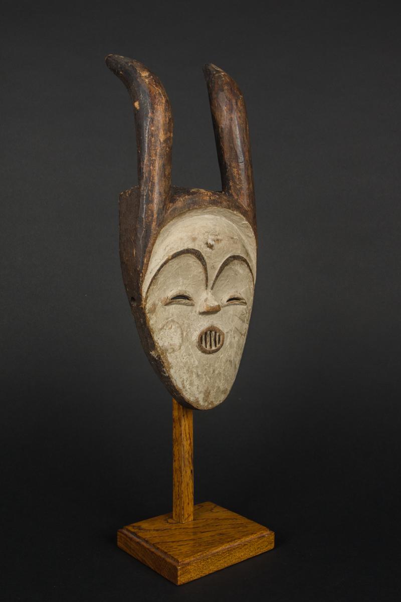 Tsogho vuvi mask galerie flak